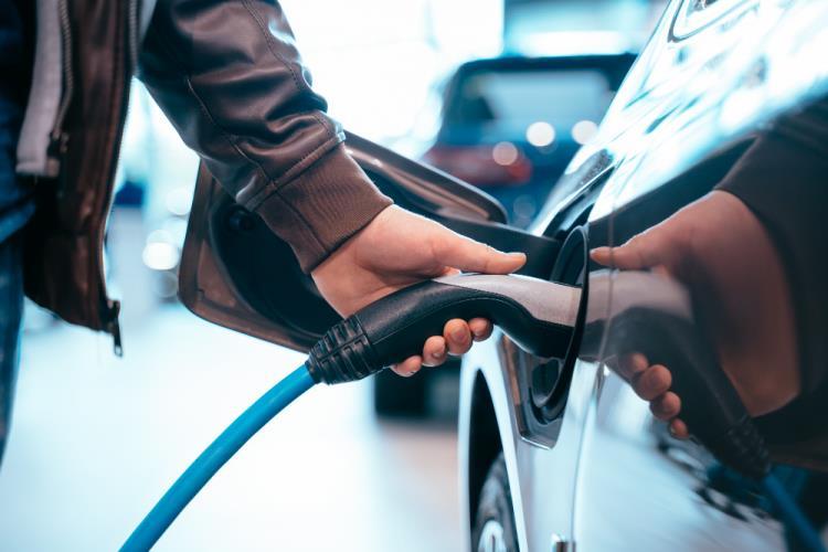 Auto ibride 2021: come orientarsi tra modelli e prezzi consigliati