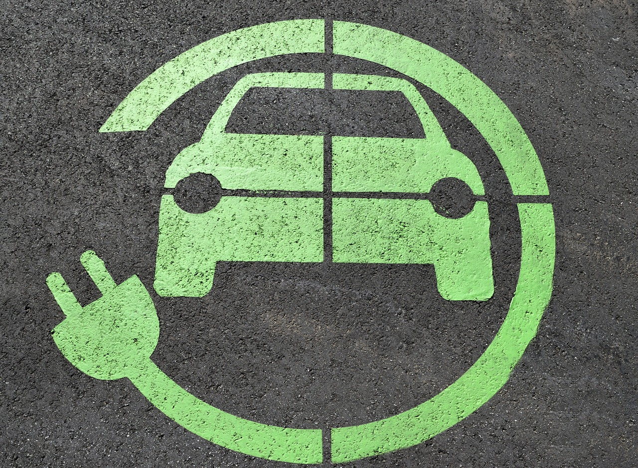 Auto elettriche: novità e curiosità dal settore
