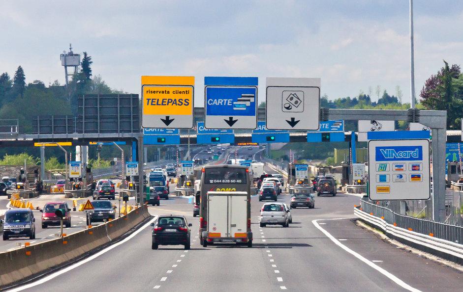 Pedaggi autostradali: bloccati gli aumenti