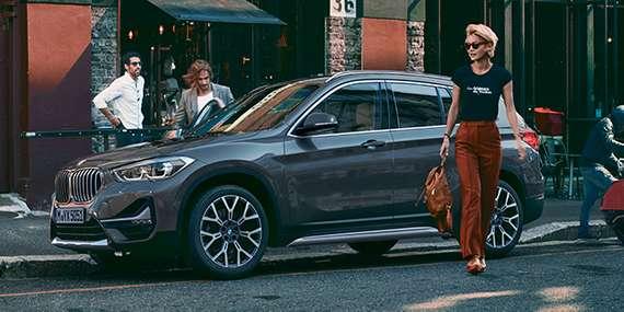 BMW X1 sDrive18d xLine Plus a partire da 250 Euro al mese con Assicurazione RCA, Bollo e Manutenzione inclusi.